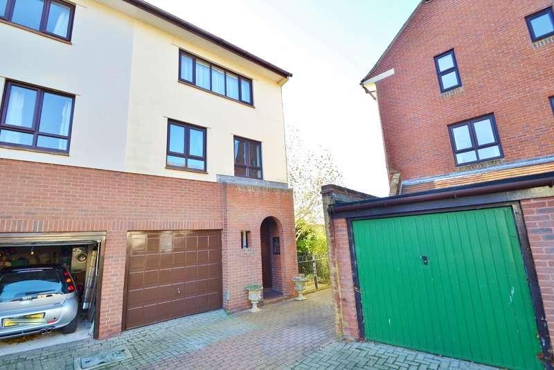 3 Bedrooms Semi Detached House for rent in Wimborne
