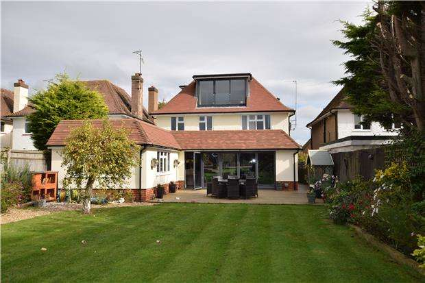 6 Bedrooms Detached House for sale in Kings Drive, Eastbourne, East Sussex, BN21 2UJ