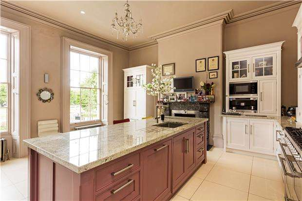 6 Bedrooms Terraced House for sale in Imperial Square, CHELTENHAM, Gloucestershire, GL50 1QZ