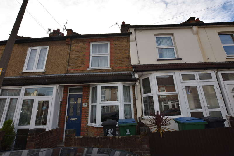 2 Bedrooms Terraced House for sale in Cromer Road, North Watford