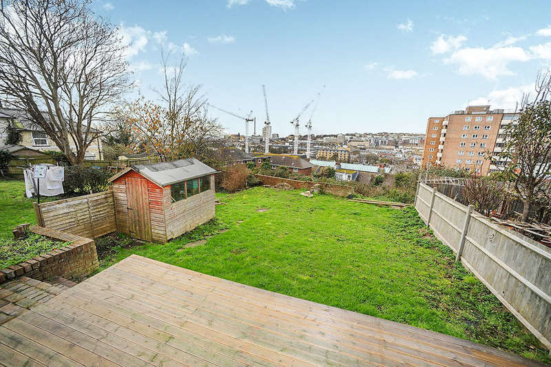 4 Bedrooms Semi Detached House for rent in Elmore Road, Brighton, BN2
