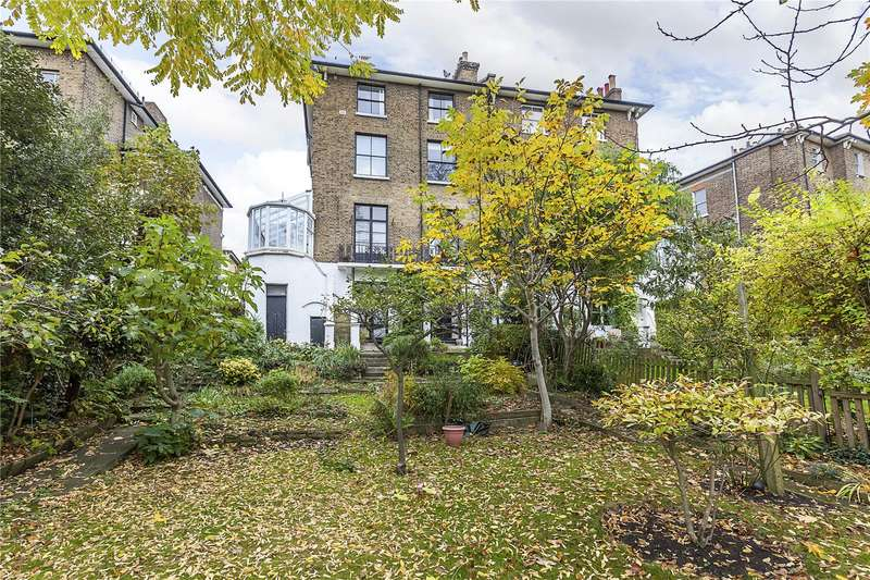 2 Bedrooms Flat for sale in Granville Park, London, SE13