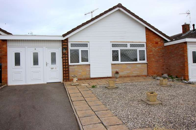 2 Bedrooms Detached Bungalow for sale in Wingrave Close, Allesley, Coventry. CV5 9BT
