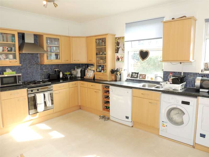 2 Bedrooms Maisonette Flat for sale in Oval Road, East Croydon