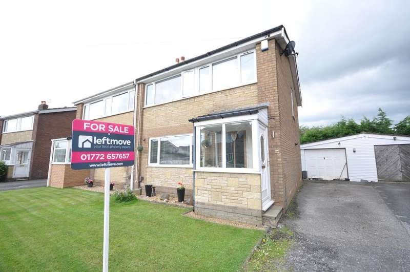 3 Bedrooms Semi Detached House for sale in Wyndene Grove, Freckleton, Preston, Lancashire, PR4 1DE