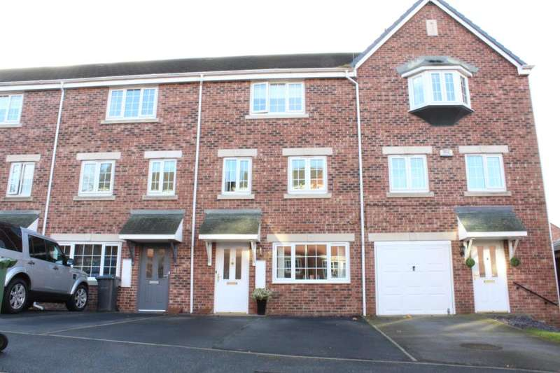 3 Bedrooms House for sale in Castle Lodge Avenue, Rothwell. LS26