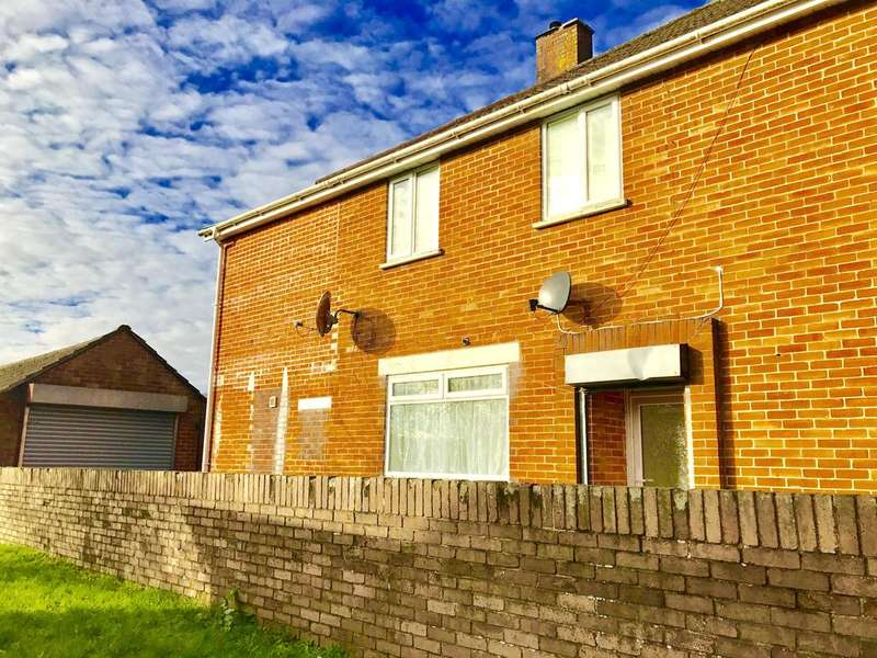 2 Bedrooms Flat for rent in Troed Y Bryn, CAERPHILLY