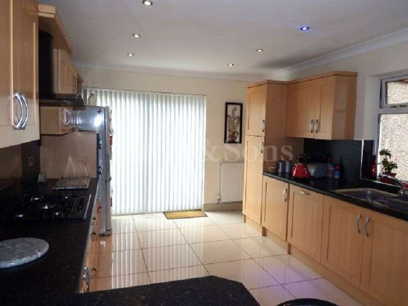 4 Bedrooms Terraced House for sale in West Park Road, Off Bassaleg Road, Newport. NP20 3EH