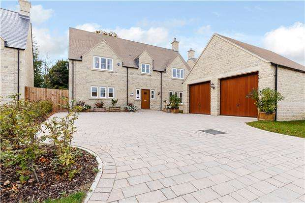 4 Bedrooms Detached House for sale in Plot 8, The Hampton, Bownham View, Rodborough Common, Glos GL5 5DZ
