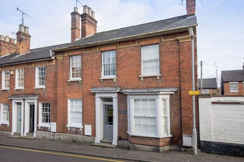 3 Bedrooms End Of Terrace House for sale in Ravens Lane, Berkhamsted