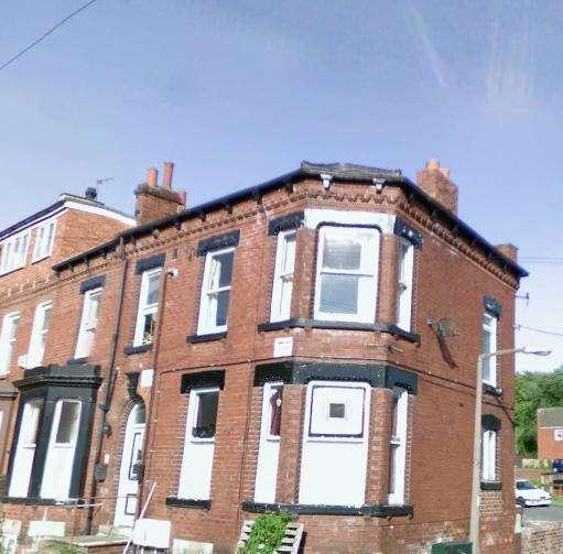 2 Bedrooms Flat for rent in Woodsley Road, Hyde Park, Leeds