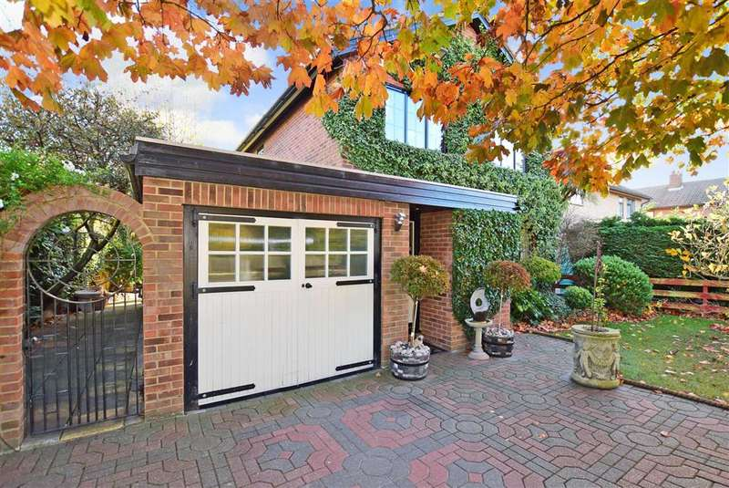 4 Bedrooms Detached House for sale in Ellis Way, Herne Bay, Kent