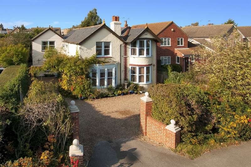 5 Bedrooms Detached House for sale in Borstal Hill, Whitstable