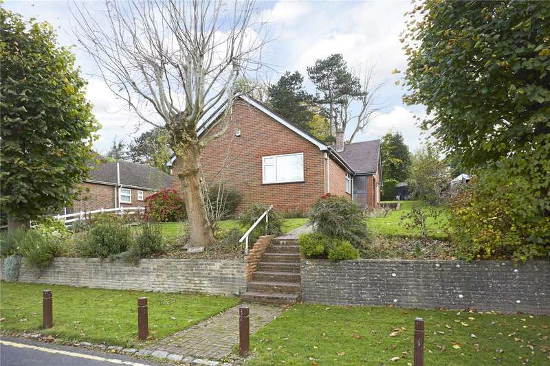 3 Bedrooms Detached Bungalow for sale in Oakley Road, Warlingham, Surrey, CR6