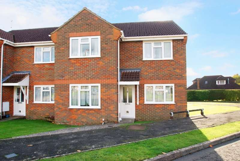 2 Bedrooms Flat for sale in Pavilion Way, Amersham, HP6