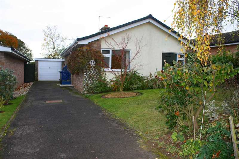 2 Bedrooms Bungalow for sale in Maltings Close, Newmarket