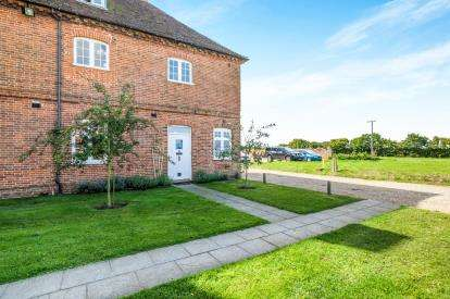 4 Bedrooms End Of Terrace House for sale in Shipmeadow, Beccles, .