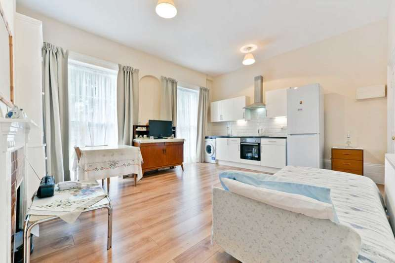 2 Bedrooms Apartment Flat for sale in Regent Square, Bloomsbury,London, WC1H