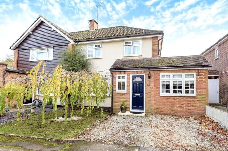 3 Bedrooms Semi Detached House for sale in Oxshott