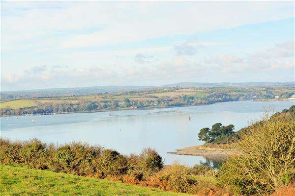 2 Bedrooms Detached House for sale in Near St Mawes