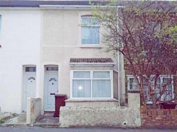3 Bedrooms Terraced House for sale in East Street, Gillingham, Kent