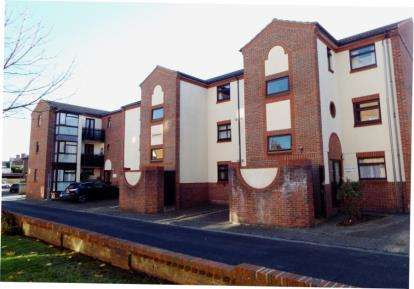 1 Bedroom Flat for sale in Bush Street East, Southsea, Hampshire
