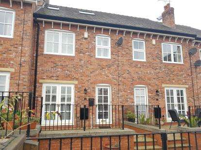 3 Bedrooms House for sale in Arnolds Yard, Altrincham, Greater Manchester