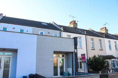 2 Bedrooms Terraced House for sale in Leigh-on-Sea, Essex