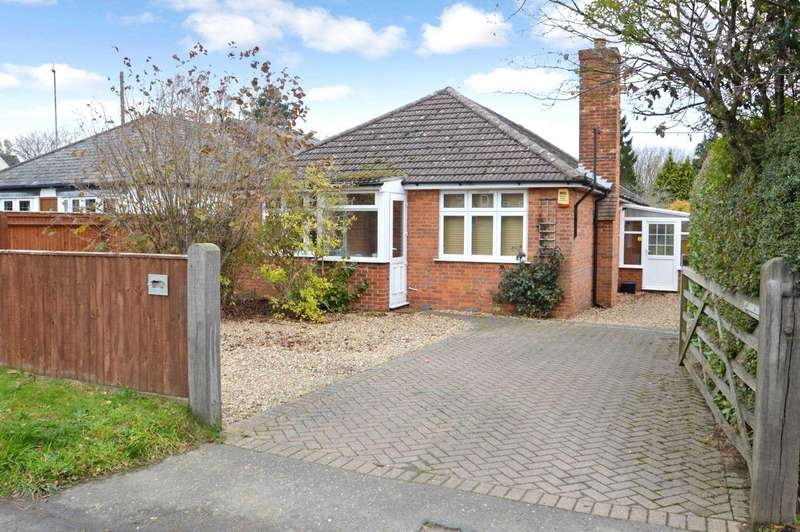 3 Bedrooms Detached Bungalow for sale in Botley Road, Chesham