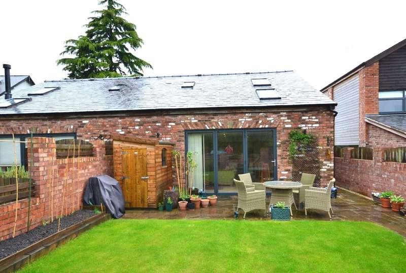 3 Bedrooms Semi Detached House for sale in Prestbury Road, Macclesfield