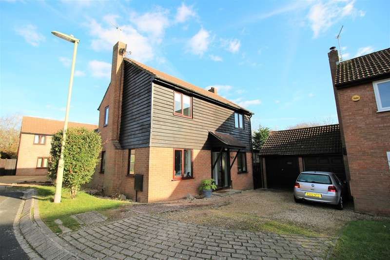 3 Bedrooms Detached House for sale in Saxon Way, Lychpit, Basingstoke, RG24