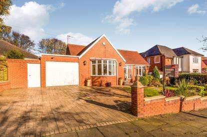 3 Bedrooms Bungalow for sale in Albert Road West, Bolton, Greater Manchester, BL1
