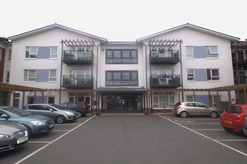 2 Bedrooms Flat for sale in East Road, Middlewich, CW10