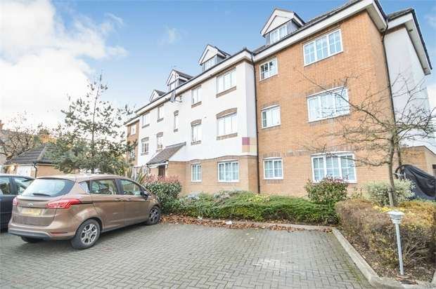 2 Bedrooms Flat for sale in Grandmill Place, High Street, Cheshunt, WALTHAM CROSS, Hertfordshire