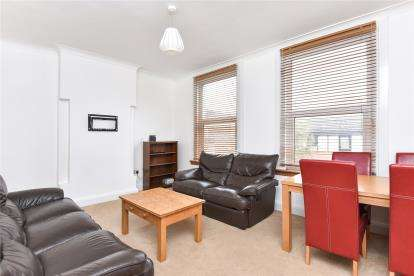 3 Bedrooms Maisonette Flat for sale in Croydon Road, Beckenham
