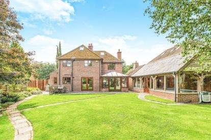 5 Bedrooms Detached House for sale in Minstead, Lyndhurst, Hampshire