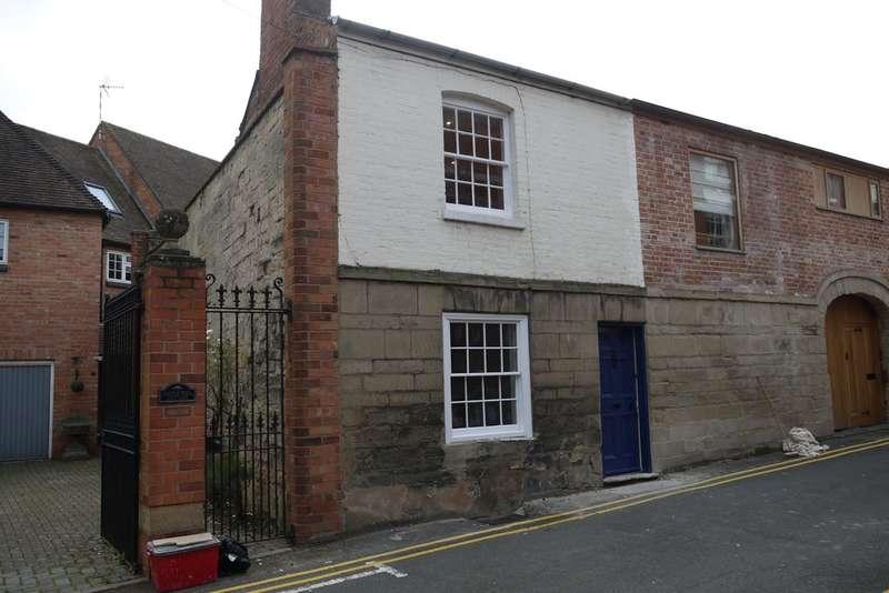 2 Bedrooms Terraced House for rent in Gerrard Street, Warwick