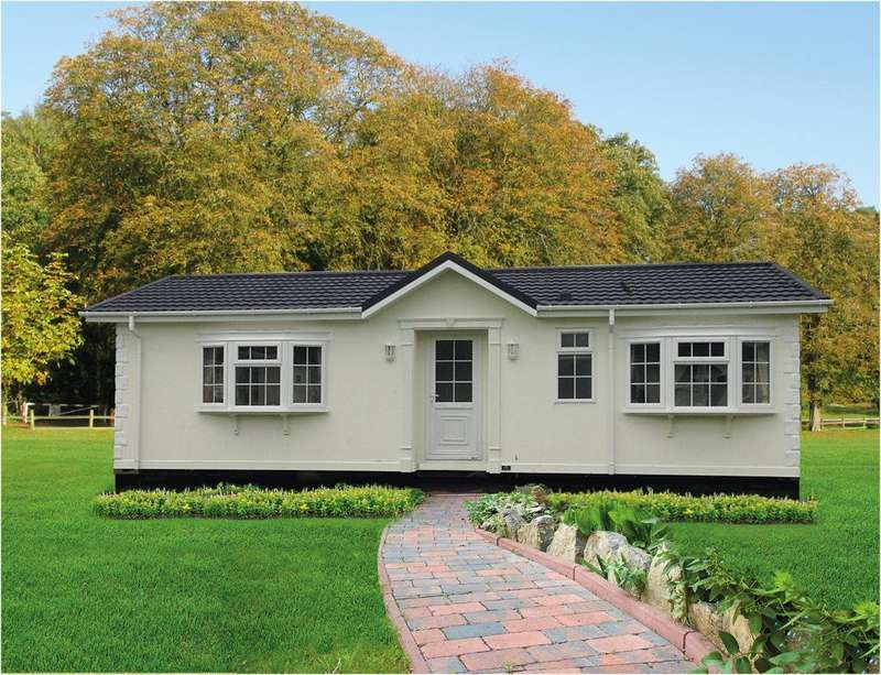 2 Bedrooms Park Home Mobile Home for sale in Blisworth Park, Blisworth, Nothamptonshire, NN7 3DS