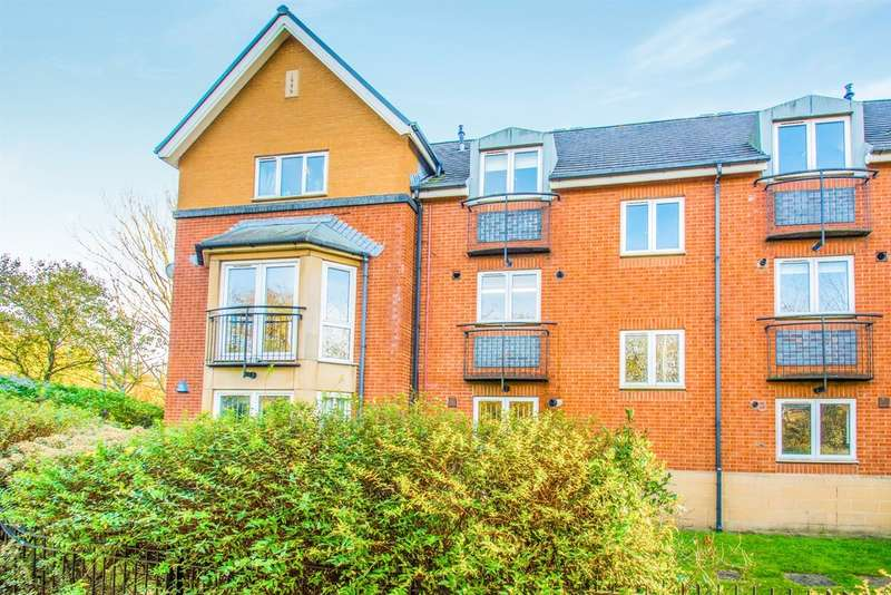 2 Bedrooms Apartment Flat for sale in Corvette Court, Cardiff