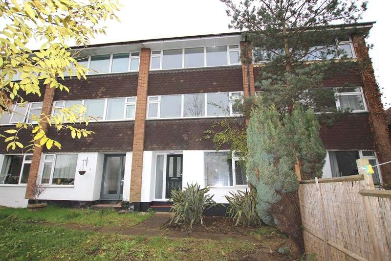 3 Bedrooms Town House for sale in London Road, Rayleigh