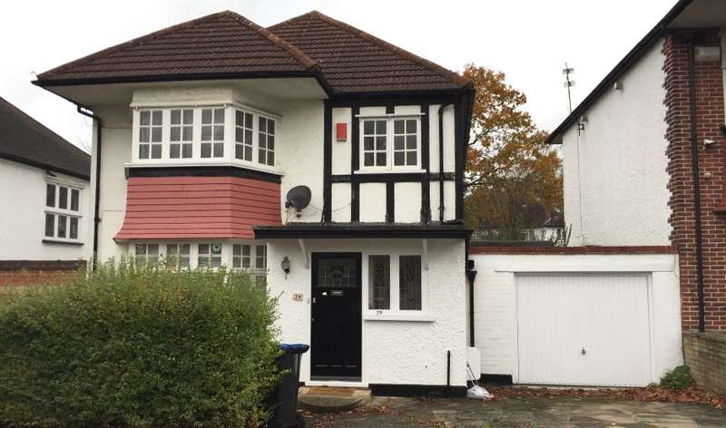 3 Bedrooms Detached House for sale in Corringham Road, Wembley, Middlesex, HA9 9PX