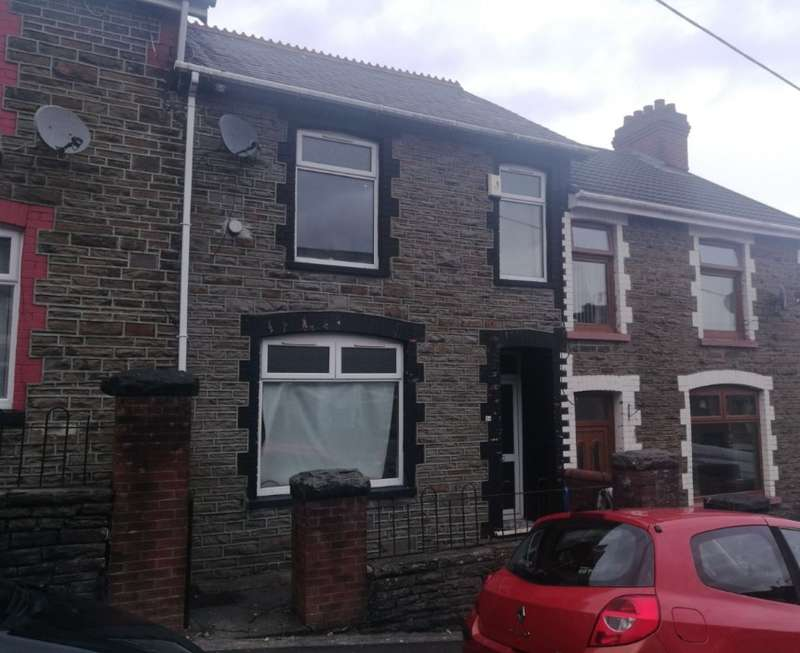 3 Bedrooms Terraced House for sale in Gwernifor Street, Mountain Ash, Mid Glamorgan, CF45 3NA