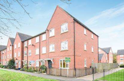 5 Bedrooms End Of Terrace House for sale in Hedgerow Close, Greenlands, Redditch, Worcestershire