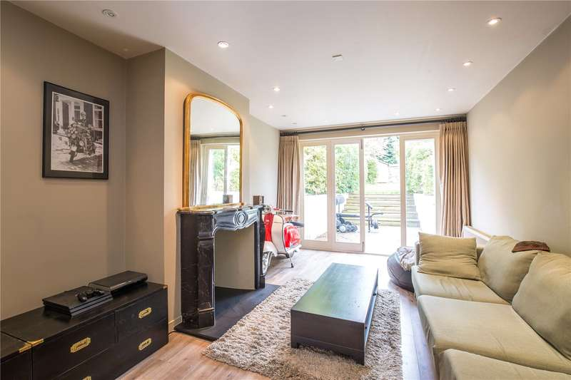3 Bedrooms Terraced House for sale in Sebright Road, High Barnet, Hertfordshire, EN5