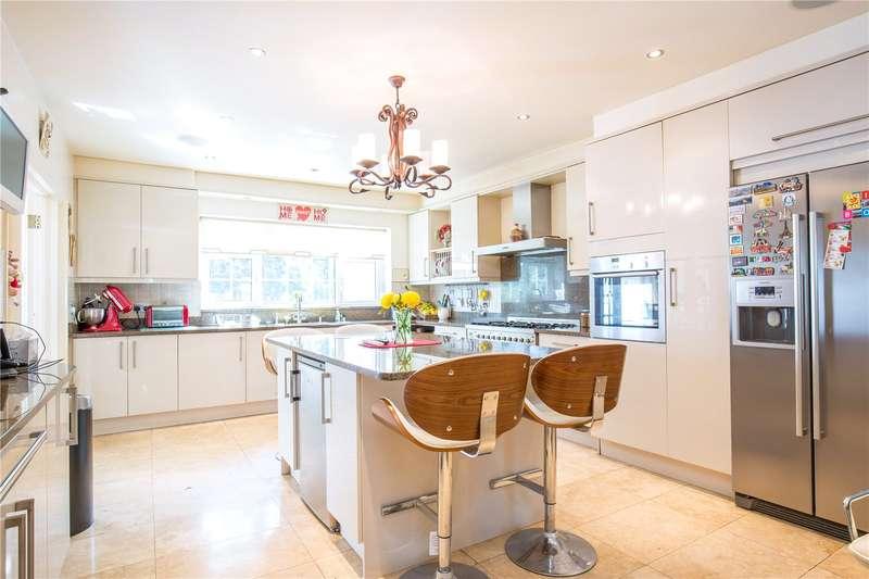 4 Bedrooms Semi Detached House for sale in Hillside Gardens, Barnet, Hertfordshire, EN5