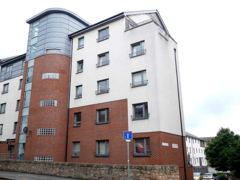3 Bedrooms Flat for rent in Easter Road, Edinburgh,
