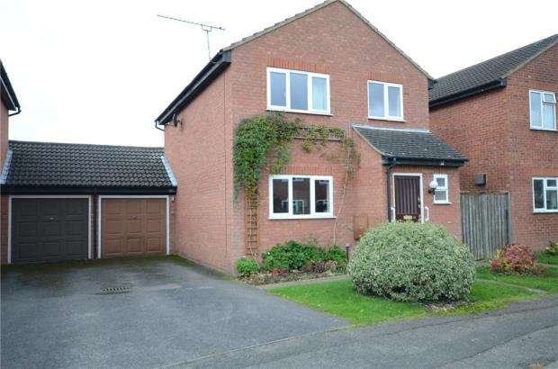 3 Bedrooms Link Detached House for sale in Moor End, Maidenhead, Berkshire