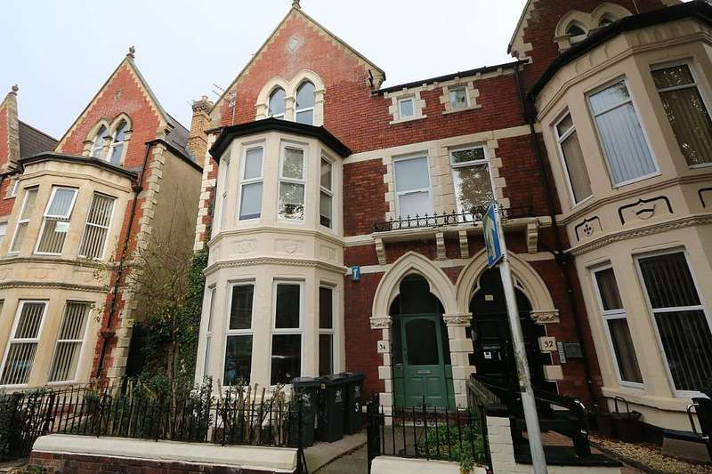 1 Bedroom Flat for sale in Connaught Road, Cardiff, Caerdydd, CF24