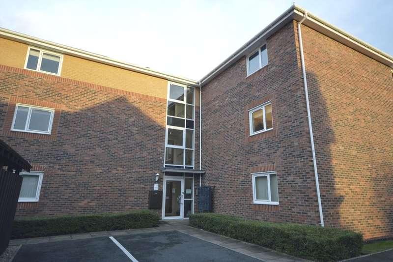 2 Bedrooms Flat for rent in Poplar Drive, Blurton, Stoke-On-Trent, ST3