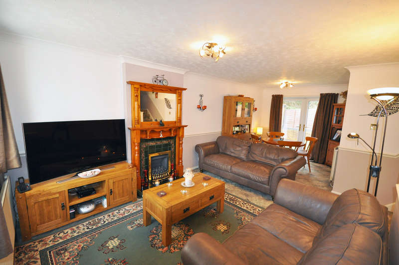 3 Bedrooms Detached House for sale in Greenacre, Lower Darwen, Darwen